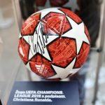 Razstava dresov in rekvizitov znanih nogometašev ter slik celjskih umetnikov ob bližajočem se EURU U21 v Celju