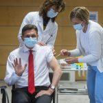 Državni vrh prejel cepivo AstraZeneca. Epidemiloška slika se hitro slabša