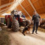 Družinska kmetija Podlesnikovih: Na kmetiji moraš delati s srcem in z veseljem