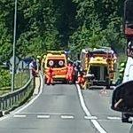 Zaradi hude prometne nesreče v Košnici nekaj ur zaprta cesta