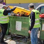 Rezultati poostrenega nadzora: občani imajo še vedno težave z ločevanjem odpadkov in pomenom barv zabojnikov