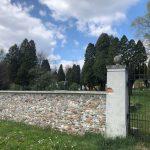 Nekdanje slovensko pokopališče na Golovcu bo pred vandali varovala nova ograja