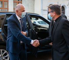 Janez Janša se je v okviru regijskega obiska srečal s celjskim škofom dr. Maksimilijanom Matjažem.