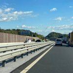 Prehitra voznica povzročila prometno nesrečo na avtocesti